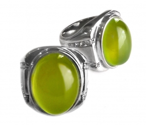 Powerful Peridot Ring Amulet promoting Physiological and Psychological Vitality