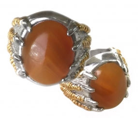 Indonesian Garuda Claw Ring with an Empowered Agate Stone to promote Resourcefulness